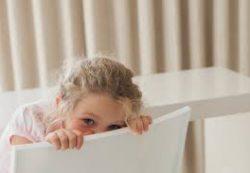 У вас застенчивый ребенок? Как побороть стеснительность