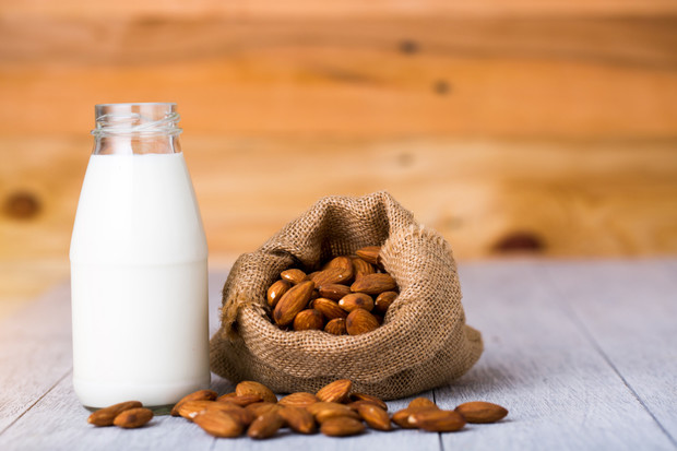 Растительное молоко: детям не рекомендуется