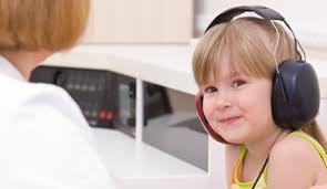 Как определить, хорошо ли слышит малыш?