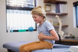 Как помочь маленькому ребенку при отравлении