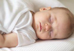 Как перевести ребенка на один дневной сон: лайфхаки для мам
