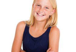 Как исправить сутулость у подростка и что делать со сколиозом