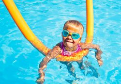 Плавание для детей: плюсы занятий
