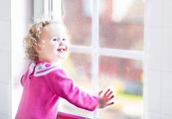 Откуда падают дети и что падает на детей: домашние травмы