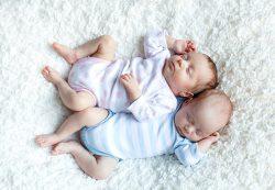 Рожаем близнецов: естественные роды или кесарево?