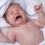 Почему поднимается температура у ребенка и что делать