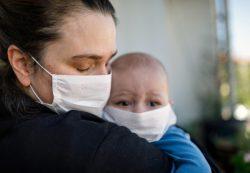 Врачи рассказали о новых симптомах коронавируса у детей