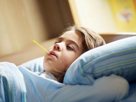 Простуда и грипп: как действуют вирусы и помогает ли отдых у моря