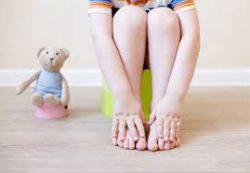 Что делать при запорах у детей? 8 вопросов и памятка для родителей