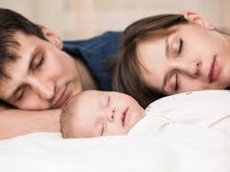 Совместный сон с ребенком: плюсы и минусы