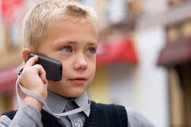 Нужен ли ребенку мобильный телефон и какой