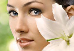 Шея и лицо: от чего зависит красота и молодость кожи