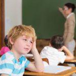 Ребенку не нравится школа и учительница. Менять?