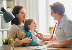 Детское здоровье: 6 врачей, которых нужно посещать регулярно