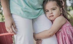 Как научить ребенка оставаться без мамы