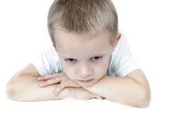 Задержка в развитии ребенка: причины и как вовремя определить