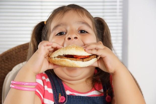 Детское ожирение: 6 шагов, чтобы уберечь от него ребенка