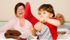 А ваш ребенок в 3 года одевается самостоятельно и режет салат?