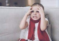 Ребенок бьется головой о стену. Что это значит?