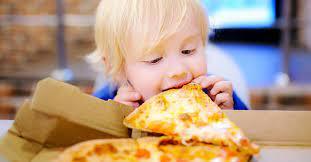 Как уберечь ребенка от переедания