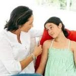 Дочь считает себя лесбиянкой. Как ее переубедить?