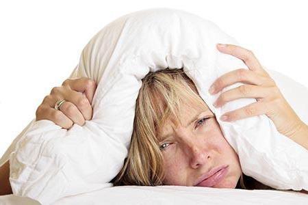 8 безобидных привычек, которые могут вызвать у вас бессонницу