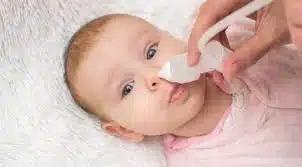 Хватит и капли: мама отравила ребенка популярным средством от насморка