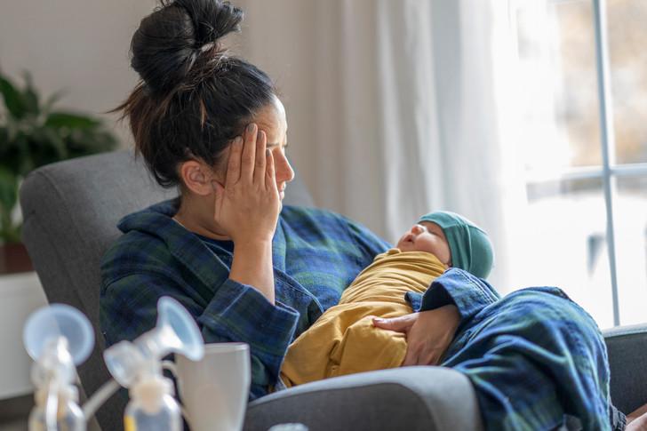 «Родила ребенка и теперь постоянно плачу. Что со мной?»