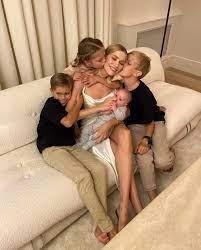 Пятеро с соплями. Почему многодетная мама не лечит ОРВИ